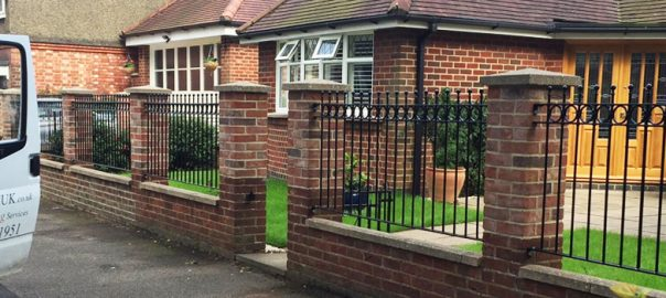Oakfield UK Blog What type of fencing to choose?