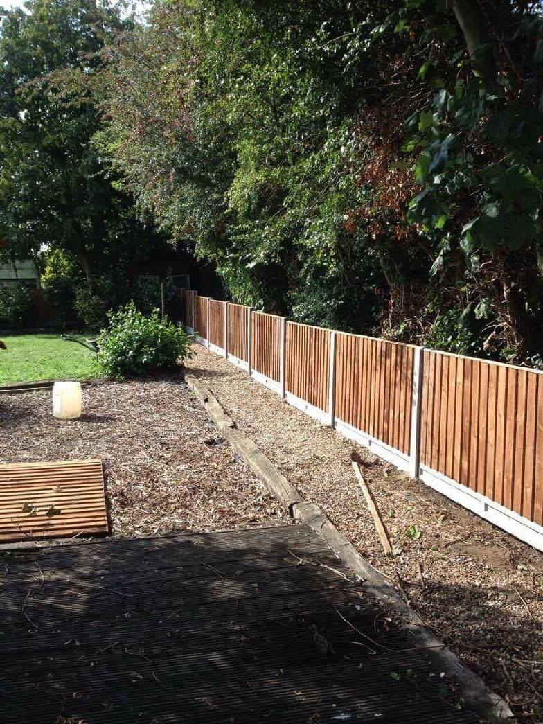 Small Garden Fencing Project In Cambrigeshire Oakfield Uk Ltd