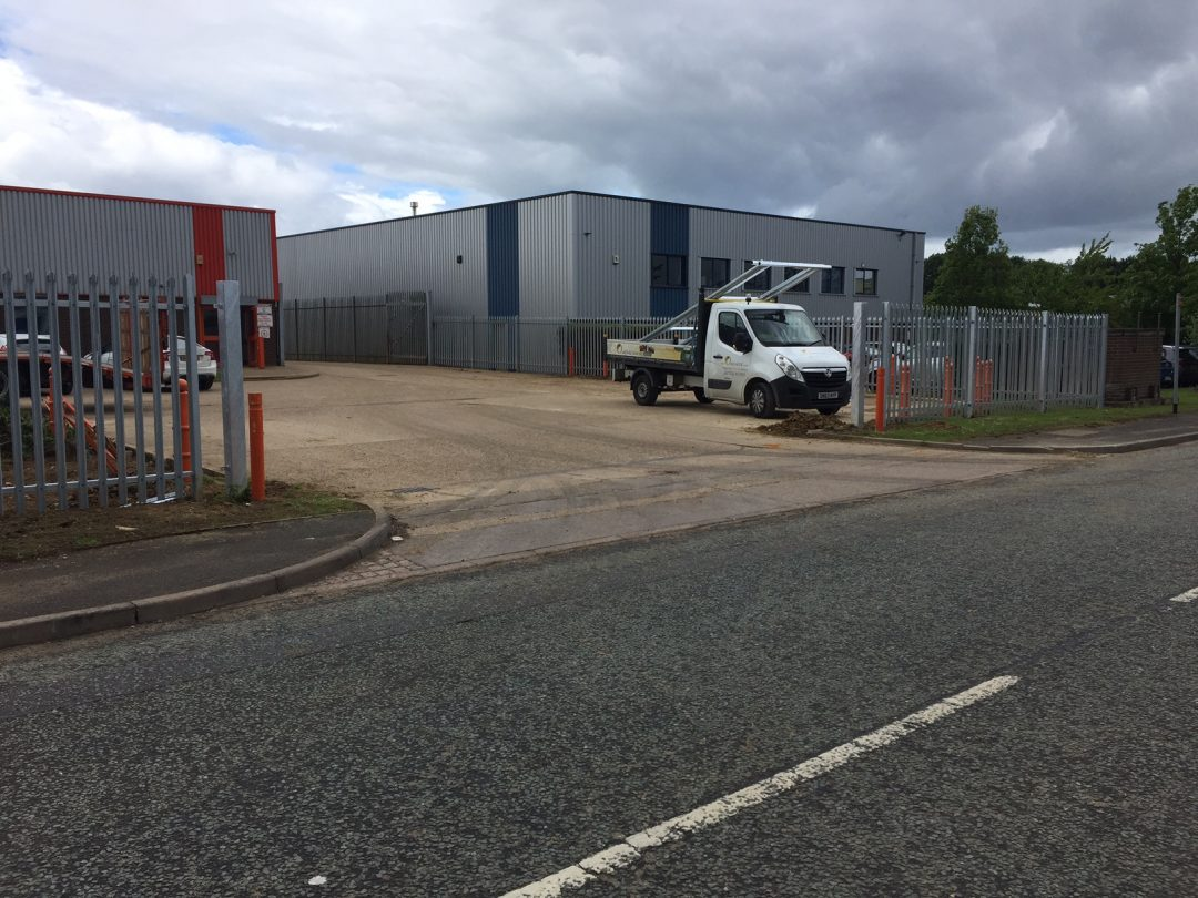 Industrial security fence in grantham oakfield uk ltd